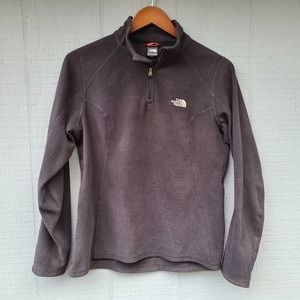 The North Face Solid Black Pullover Fleece Sweater